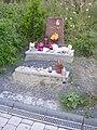 Barrandov, pomníček Anetky.jpg