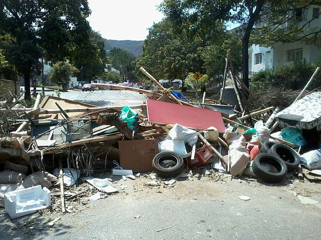 Barricade in Venezuela By Jamez42 (Own work) [CC0], via Wikimedia Commons