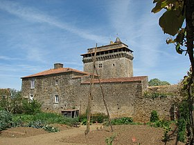 Image illustrative de l'article Donjon de Bazoges-en-Pareds