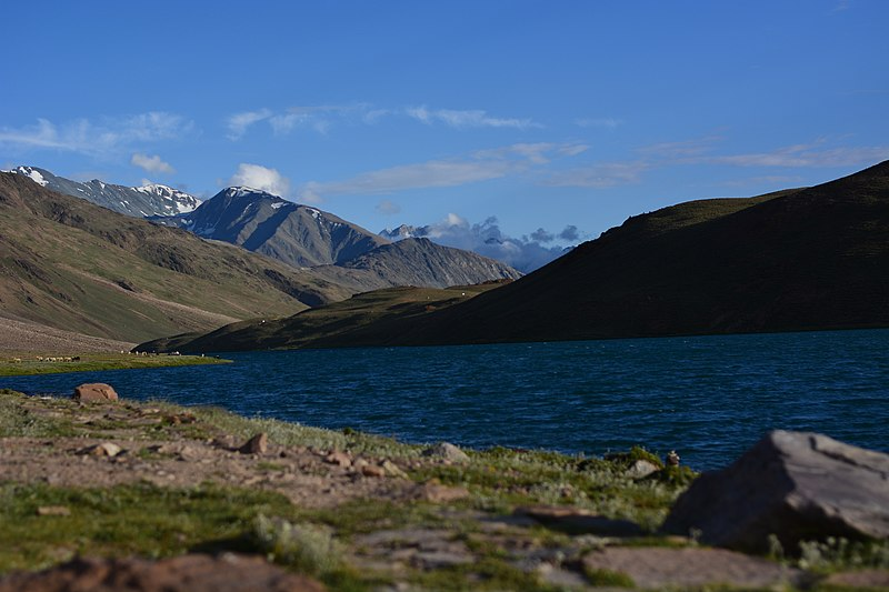 File:Beauty of Chandratal Lake 07.jpg