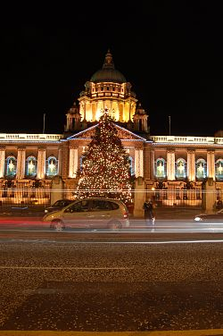 Belfast City Hall night.jpg