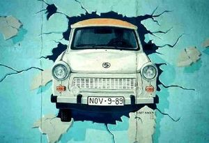 1990 in art - Image: Berlin Wall Trabant grafitti