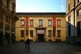 Biblioteca Ambrosiana facciata pincipale (Milano).jpg