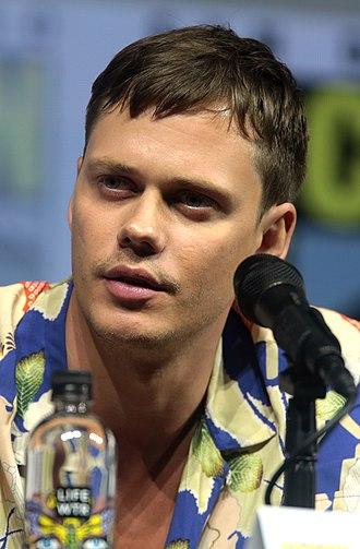 Bill Skarsgård - Skarsgård at the 2018 San Diego Comic-Con