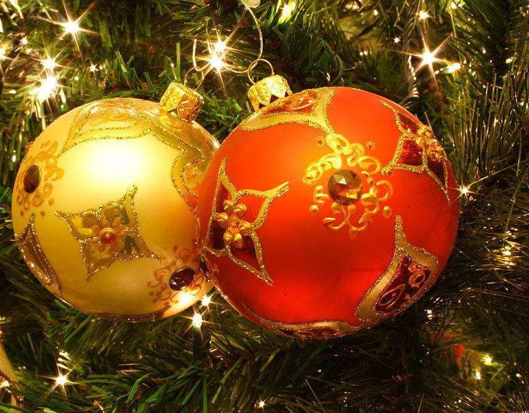 File:Bolas navideñas.jpg