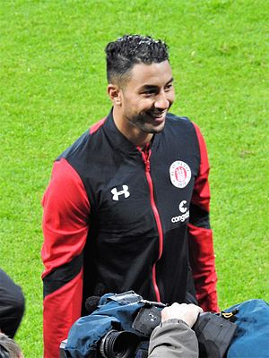 Aziz Bouhaddouz - Bouhaddouz with St. Pauli in 2017