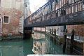 Bridges & Graffiti (3499942377).jpg
