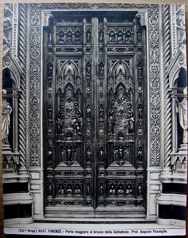 Brogi, Carlo (1850-1925) - n. 9537 - Firenze - Porta maggiore della Cattedrale, prof. Augusto Passaglia