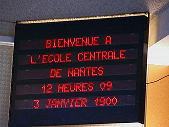 Year 2000 problem - An electronic sign at École centrale de Nantes displaying the year incorrectly as 1900 on 3 January 2000