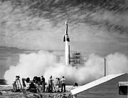 Start von Bumper 8, der erste Raketenstart von Cape Canaveral
