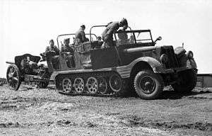 Sd.Kfz. 11 - Sd.Kfz. 11 artillery tractor with an engineer body