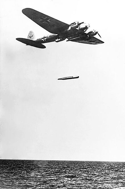 KG 26 He 111 torpedo planes attacked convoys PQ 15, 16 and 17. Bundesarchiv Bild 183-L20414, Torpedoangriff mit Heinkel He 111.jpg