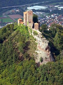 Замок Трифельс — Википедия