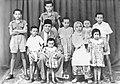 Buya Hamka dan keluarga pd.jpg