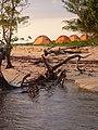 Camping, quelque part à Madagascar (25993760892).jpg