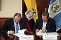 Canciller de Guatemala visita Ecuador (10332742073).jpg