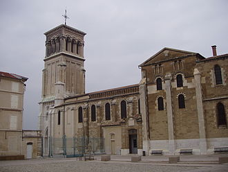 Valence Cathedral - Valence Cathedral, view from Place des Ormeaux