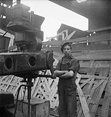 Cecil Beaton Photographs- Tyneside Shipyards, 1943 DB163.jpg