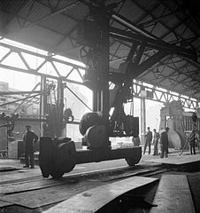 Cecil Beaton Photographs- Tyneside Shipyards, 1943 DB98.jpg