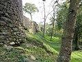 Château de Montafilan, Côrseul (Côtes d'Armor), remparts et tour ouest DSC07005.jpg