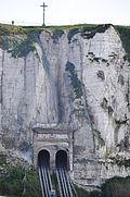 Chalk cliff, Le Treport (France).jpg