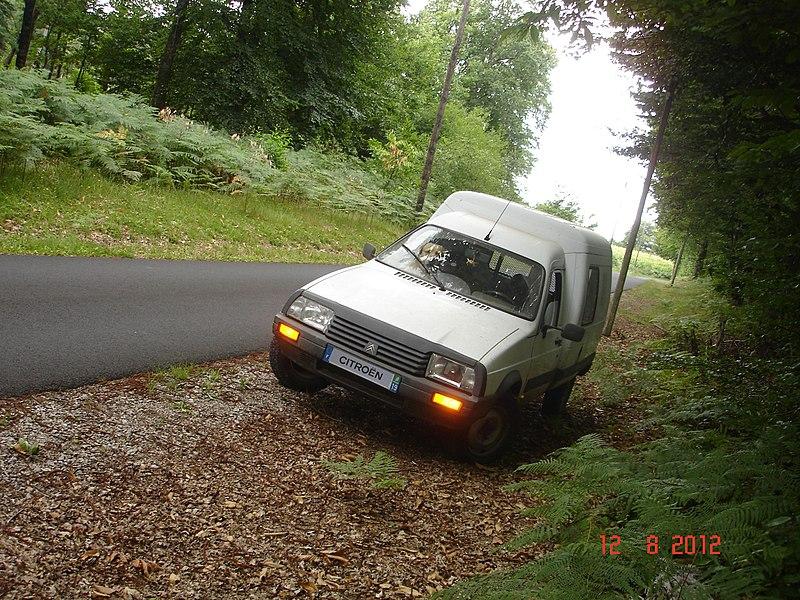 File:Citroën C15D.JPG