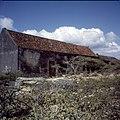 Collectie Nationaal Museum van Wereldculturen TM-20029919 Landhuis Siberie, magazijn en dorsvloer Curacao Boy Lawson (Fotograaf).jpg
