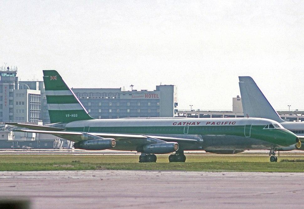 Convair 880-22M VR-HGG Cathay MIA 04.10.75 (2)
