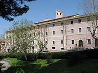 Il convento del Santissimo Rosario nel quartiere Borgo Garibaldi, abitato dalla suore domenicane di stretta osservanza.