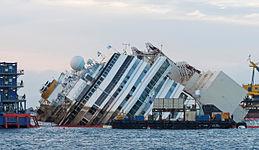 Costa Concordia parbuckling 07.jpg