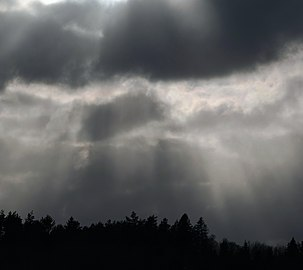 Crepuscular rays during snowfall 10.jpg