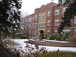 Crescent Heights High School, Calgary.jpg