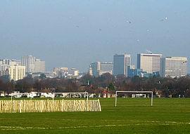 Lo skyline di Croydon 2.jpg