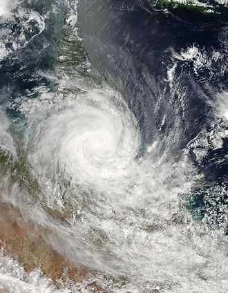Cyclone Larry - Larry making landfall on Queensland coast