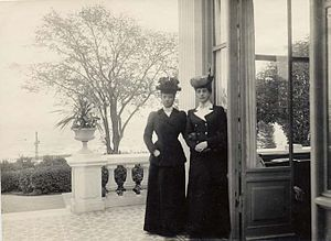 Hvidøre - Alexandra and Maria Feodorovna at Hvidøre, c. 1910