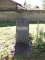 Dagneux - Rond-point Saint-Louis, parc, stèle à Jean Moulin.jpg