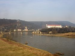 Decin castle over the Elbe.JPG