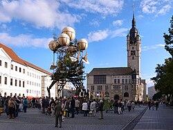 Dessau,Farbfest Grün,Landung der Aeroflorale II auf dem Marktplatz.jpg