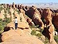 Devils Garden Trail, Arches (29554814131).jpg