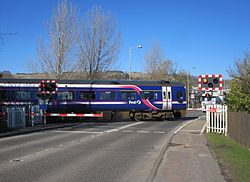 Dingwall Middle level crossing (13175888134).jpg