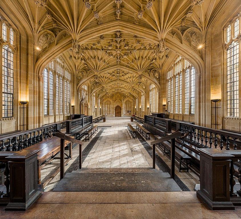 Divinity School dans la bibliothèque bodléienne, officiellement bibliothèque de Bodley à Oxford. Photo by DAVID ILIFF. License: CC-BY-SA 3.0