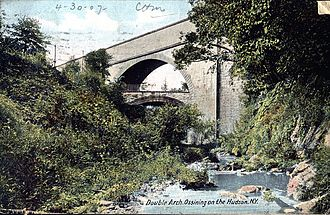 Croton Aqueduct - Double Arch over Sing Sing Kill, Ossining, from a 1907 postcard; upper arch carries the aqueduct, the lower one carries a local street