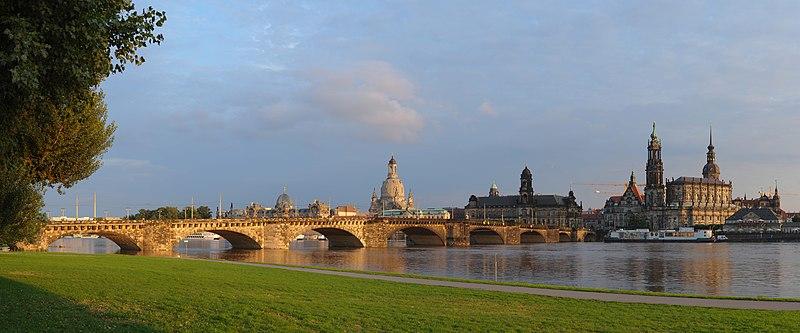 File:Dresden-canalettoblick-gp.jpg