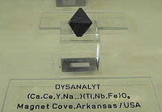 Dysanalyt - Magnet Cove, Arkansas, USA.jpg