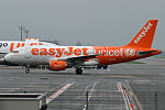 EasyJet (Unicef livery), G-EJAR, Airbus A319-111 (21520066205).jpg
