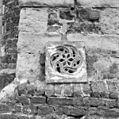 Een van de gevonden houten afsluitingen van een nis met klankpot - Dreischor - 20063579 - RCE.jpg