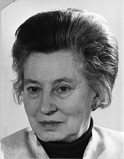Elisabeth Schwarzhaupt (1901-1986) (12484331724).jpg