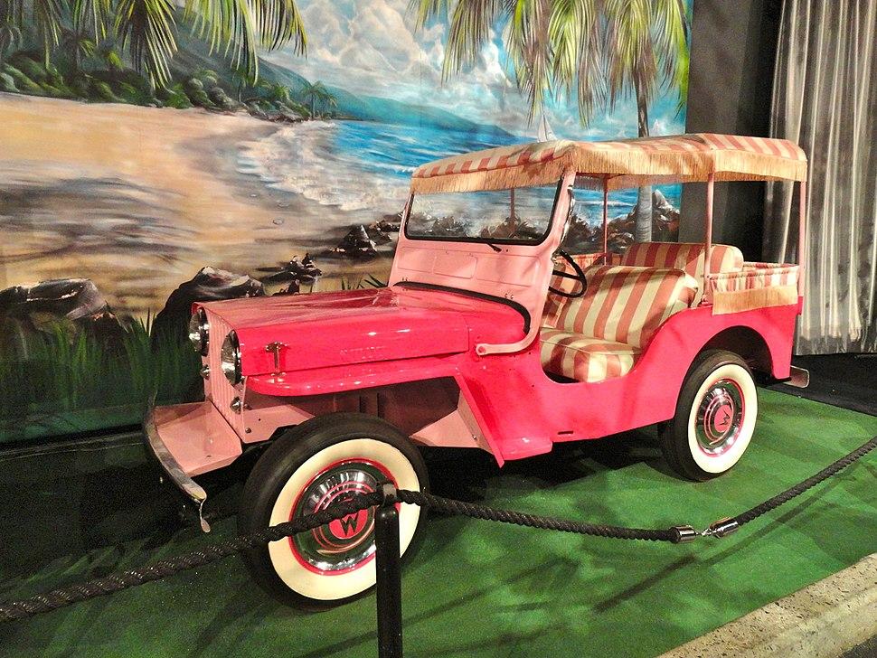 Elvis Pink Jeep 326