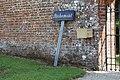 Enceinte Château Richemont Villette Ain 8.jpg