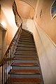 Escalier d'un immeuble marseillais ancien.jpg